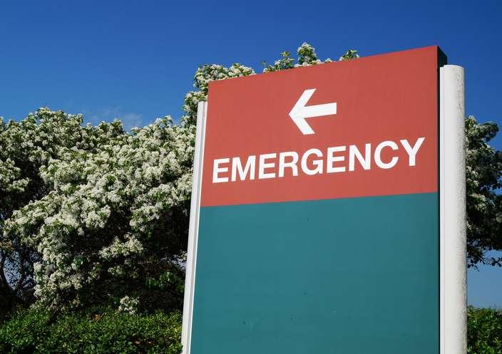 Emergency Room Sign Arrow to Left